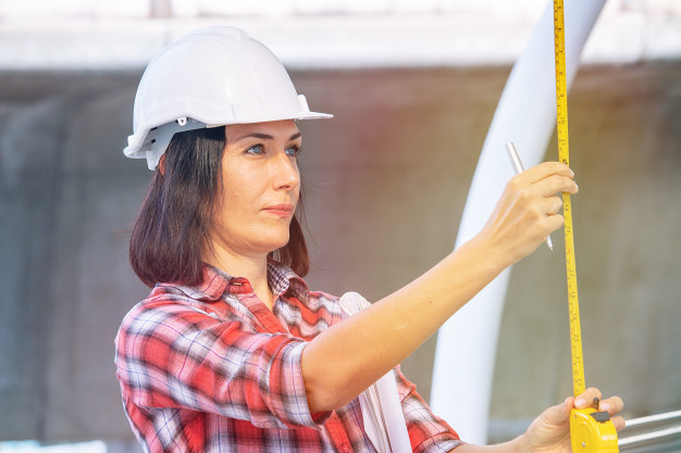Quelle place ont les femmes dans les métiers du bâtiment ?